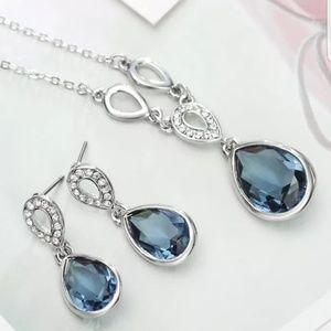3pc jewelry set with swarovski